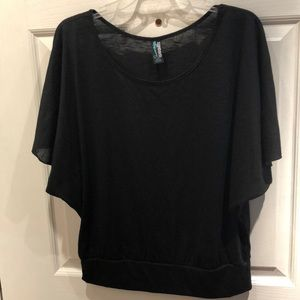 Weavers black flowy top